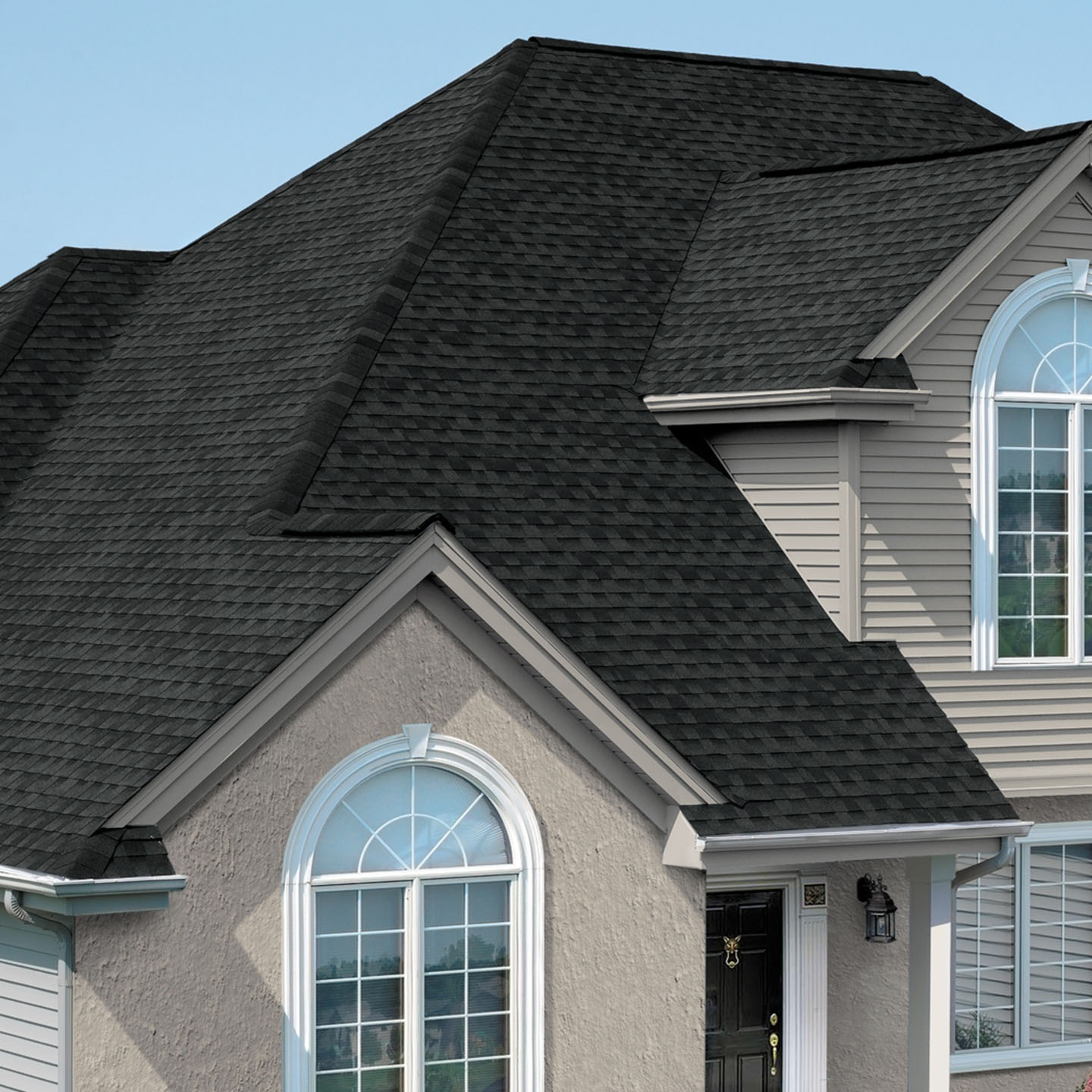 GAF's Timberline Natural Shadow Charcoal shingle swatch